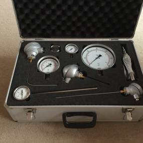 Sample Case (Gauges, Seals, Thermometers & Temp Sensors)